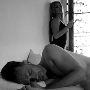 Niezasłane łóżko: niebanalna historia wideoklipu