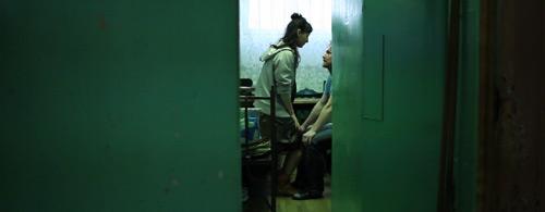 """Kadr z wideoklipu Hurt """"Najważniejszy jest wybuch"""" reż. Barbara Kaja Kajewska, Marta Malikowska"""